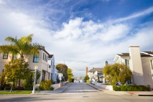 Bairro nobre ou condomínio fechado: entenda as vantagens de cada um